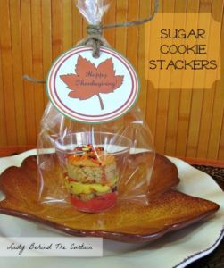 Lady-Behind-The-Curtain-Kids-Thanksgiving-Table-Sugar-Cookie-Stackers-3-402x480