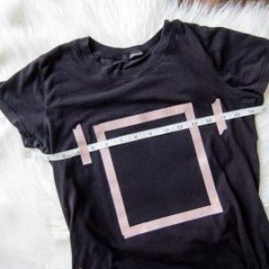 DIY Cross Sticthed Skull Tee Shirt 6