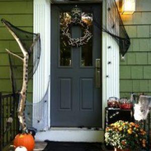 Last Minute Halloween Doorway Ideas 4